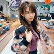 大号尺寸的猫相辣模 妩媚BUFF加成的韩国女摄影师