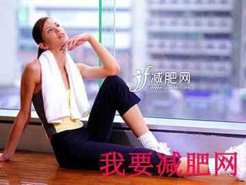 最有效的简单减肥动作,椅子姿势